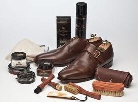 Προϊόντα περιποίησης παπουτσιών και δερματίνων ειδών Saphir